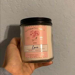 Rose &vanilla candle from b&bw